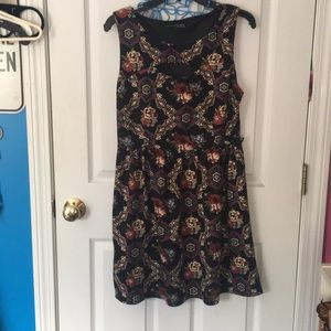 Floral dress with small keyhole front